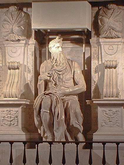 モーセ像(ミケランジェロ作)