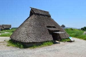 竪穴式住居(復元、吉野ヶ里遺跡)
